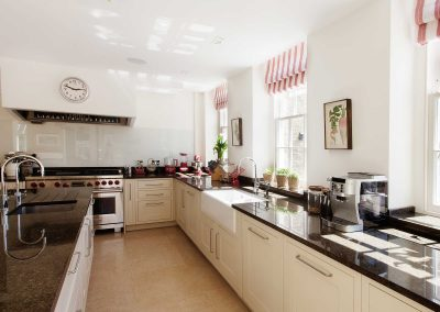Kitchens | Work tops, cupboards and units